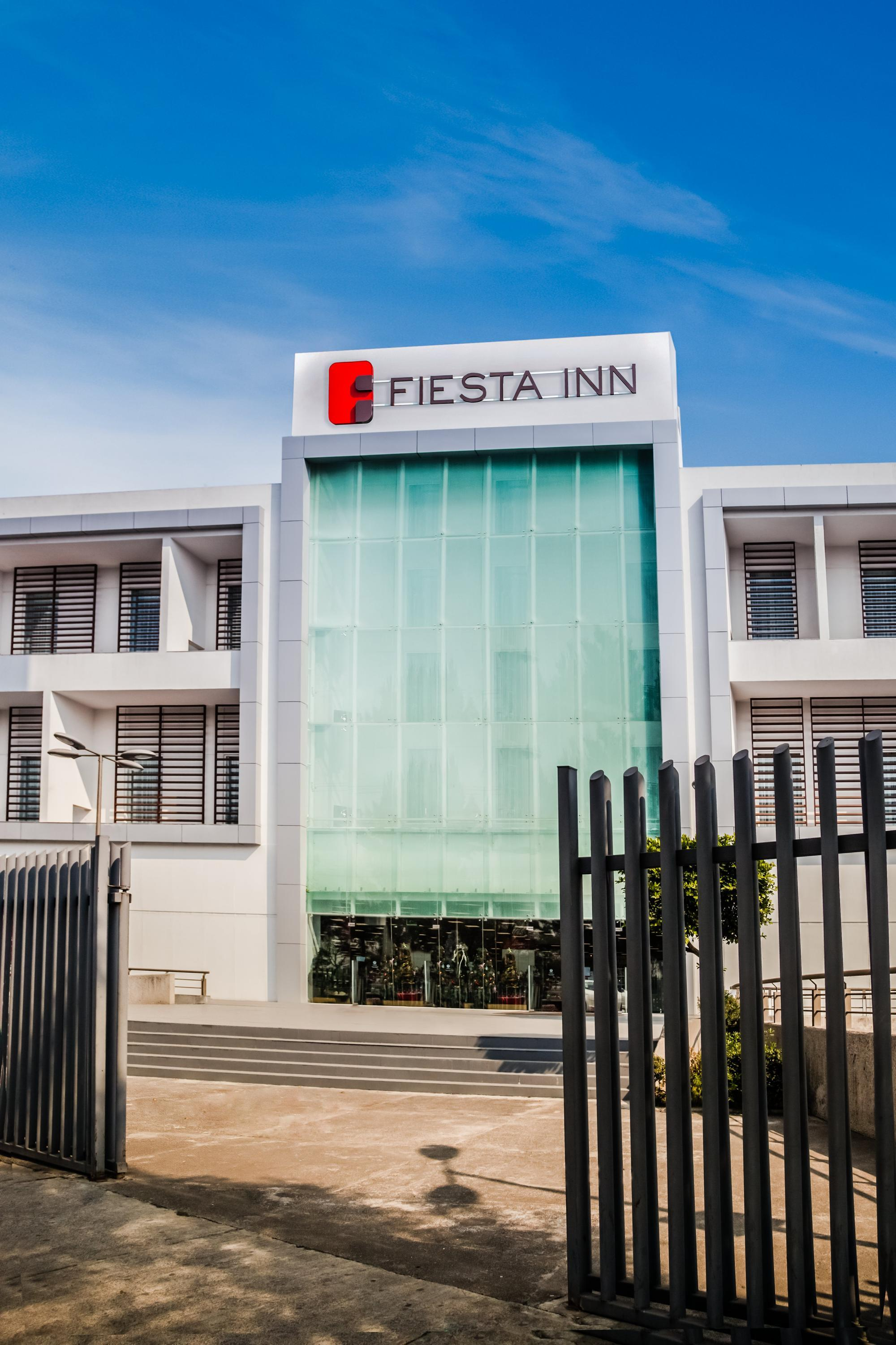 Fiesta Inn Plaza Central Aeropuerto